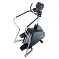 Life Fitness - 93s lépcsőző